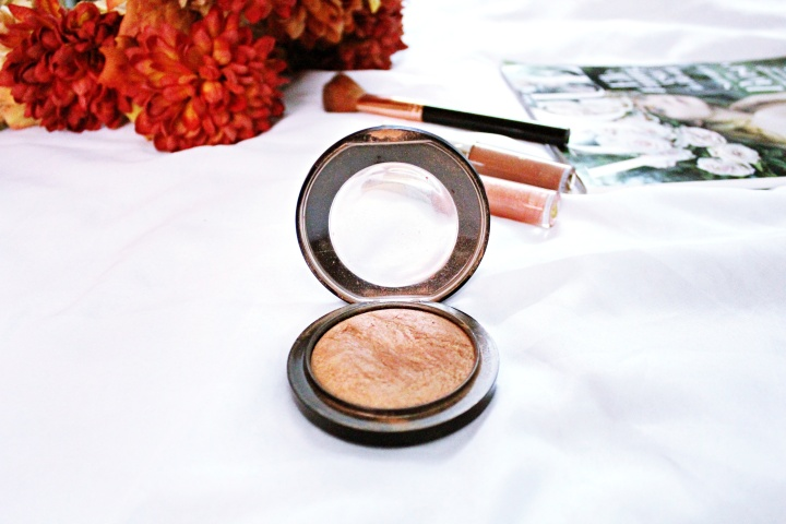 Mac Mineralized Skinfinish Highlighter in Cheeky Bronze: A Review